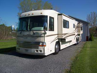 2001 Country Coach Affinity 42 w/2slide